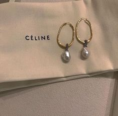 Pearl Earing, Friend Jewelry, Fashion Accessories, Fashion Jewelry, Jewelry Accessories, Pandora Jewelry, Jewelry Box, Pearl Jewelry, Clean Beauty