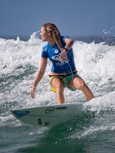 Bronte Macaulay (AUS) surfing during the Roxy Pro Gold Coast Snapper Rocks 2015 Australia Roxy brand and lifestyle Australia www.roxy.com @Roxy By Roxy