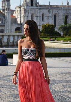 Pair a bustier top with a maxi skirt to get this easy look.