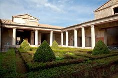 House of Menander: peristyle court