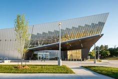 Courtesy of ZAS Architects - Vaughan Civic Centre Public Resource Library