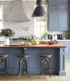 The Ultimate Guide to Cabinet Hardware - via Interior Canvas by AislingH