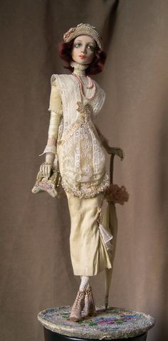 by Irina Deineko is a great doll maker.  Fascinated by her costuming skills.