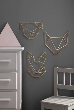 Himmeli DIY wall ornament in golden brass straw rabbit form Modern Wall Decor, Diy Wall Decor, Funky Decor, Decor Room, Himmeli Diy, Corner Deco, Diy Wanddekorationen, Mur Diy, Diy Casa
