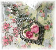 Vintage Victorian Heart Charm Necklace Zipper Purse Pull Heart Pendant Roses Pink Silver Chain Shabby Chic Romantic Mosaic Heart