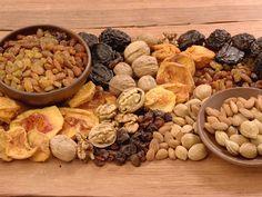 Los Frutos Secos y el Peso. Descubre sus beneficios para tu cuerpo en nuestro sitio Dole.cl