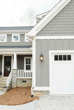 farmhouse exterior paint colors grey siding paint color is gauntlet gray and whi. farmhouse exterior paint colors grey siding paint color is gauntlet gray and white trim paint color Design Exterior, House Paint Exterior, Grey Siding House, Gray Siding, Gray Exterior Houses, Exterior Paint Sherwin Williams, House Siding Colors, Grey House Paint, Wall Exterior