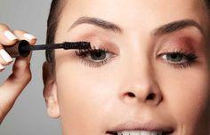 Um tutorialcom passo a passo de make, para quem é iniciante poder se maquiar de forma correta e bonita.
