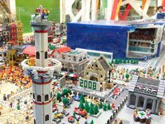 На создание композиции у lego-скульпторов ушло более 100 часов