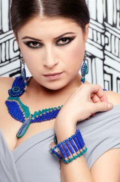 Bizuteryjki_dla_WOSP_Kolia_Rho_Ophiuchi_Beata_Dobosz_1 Seed Beads, Crochet Earrings, Beaded Necklaces, Blue, Beadwork, Color, Jewelry, Design, Ideas