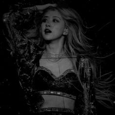 Blackpink Fashion, Korean Fashion, Funny Face Photo, Rose Pic, Artsy Background, Smoke Photography, Bts Aesthetic Pictures, Blackpink Photos, Rose Wallpaper