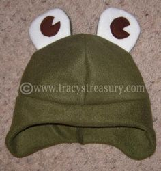 Kid's hat tutorial. With earflaps. Fleece and felt. Very easy! Tips for adding eyes, ears, etc!