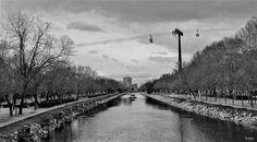 Río Manzanares y detrás las barquitas del teléferico