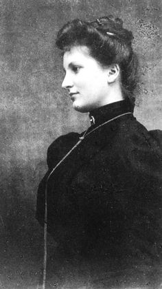 Alma Mahler ( Note; Alma Mahler was a very beautiful & seductive woman & enjoyed plenty of romantic intrigues. She was also exceptionally fashionable & elegant. MS)
