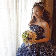 . . mitsukaさんの披露宴の入場前は、 . ふわっふわのダウンスタイリング。 . クリスタルで輝くネイビーのわドレスに、 . NYで買い付けしてきたセウのアクセサリーを。 . ネックレス、イヤリング、ブレスレット、allです♡ . . とにかくキラキラ輝いていました♡ . . ドレスは @weddingplazaniko . . #結婚式#美容師#髪型#ブライダル#ヘアアレンジ#ヘアアクセ#ヘアセット#プレ花嫁#セット#結婚#ハンドメイド#花嫁#編み込み#イヤリング#結婚式準備#前撮り#美容室#ヘアメイク#ウェディング#ヘアスタイル#アレンジ#写真#ブーケ#love#ig_japan#hairstyles#bridal#weddinghair#bridalhair#hairarrange