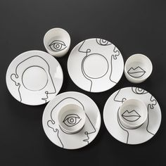 Faces - - Opinion is a set of 2 cups and saucers with drawings of Patrick Knoch on the saucer and inside the cup. The black decor porcelaine is made at and can be used in the dishwasher and microwaves oven. Ceramic Clay, Ceramic Painting, Ceramic Pottery, Pottery Art, Painted Pottery, Porcelain Painting Ideas, Ceramics Pottery Mugs, Painted Ceramic Plates, Painted Ceramics