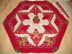 Applique Christmas Tree Skirt Quilt - Teddy Applique $149 from Picsity.com