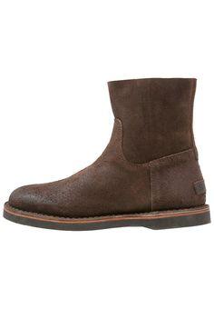 Shabbies Amsterdam Korte laarzen dark brown, 219.95, http://kledingwinkel.nl/shop/dames/shabbies-amsterdam-korte-laarzen-dark-brown/