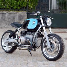 From Paris with Love. 1992 BMW R100 beauty from the cats at Motorieep. #dropmoto #builtnotbought #boxer #tracker #streettracker #r100 #bmw #bmwmotorrad #vintagemotorcycle