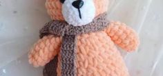 Get this free amigurumi teddy bear pattern at Amiguroom Toys. To crochet the plush bear you will need Himalaya Dolphin Baby yarn and mm crochet hook. Chunky Crochet, Cute Crochet, Crochet Dolls, Crochet Bunny, Single Crochet, Crochet Teddy Bear Pattern, Plush Pattern, Free Pattern, Crochet Pattern