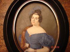 GRANDE MINIATURE PORTRAIT  D  UNE FEMME DES ANNEES 1830