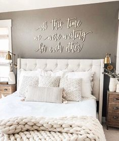 25 Cozy Bedroom Decor Ideas that Add Style & Flair to Your Home - The Trending House Cozy Bedroom, Home Decor Bedroom, Modern Bedroom, Bedroom Furniture, Tan Bedroom Walls, Bedroom Wall Decor Above Bed, Romantic Bedroom Decor, Contemporary Bedroom, Couple Bedroom Decor