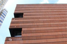 LOPO China is the biggest manufacturer of terracotta facade panel and terracotta panel in China! Rainscreen Cladding, Brick Cladding, Brick Facade, Terracotta, Cinema Architecture, Friendship House, Fake Brick, Building Skin, Building Exterior