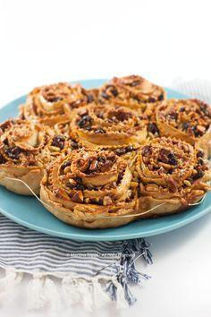 La pitta 'nchiusa è un dolce tipico del Catanzarese e si fa nel periodo Natalizio. E' a base di frutta secca e miele e si conserva a lungo.