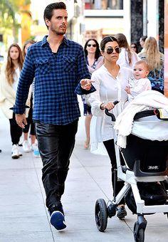 Penelope Scotland de compras en Beverly Hills, con sus padres Scott Disick y Kourtney Kardashian