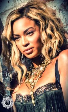 Yonce - Beyonce's Makeup Looks from the Beyonce Visual Album Beyonce Music, Beyonce Style, Rachel Mcadams, Ryan Gosling, Amanda Seyfried, Bradley Cooper, Blake Lively, Beyonce Pictures, Beyonce Knowles Carter