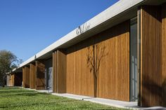 -Arquitetura: Studio MK27 - Marcio Kogan e Maria Cristina Motta. -Interiores: Studio MK27 - Diana Radomysler.