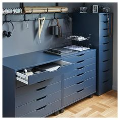 Ikea Bekant, Ikea Alex Drawers, Small Workspace, Ikea Workspace, Workspace Design, Ideas Para Organizar, Blue Furniture, Office Furniture, Drawer Unit