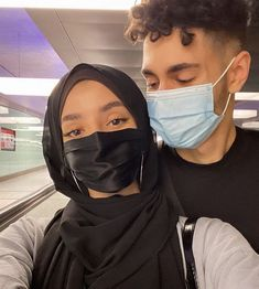 Muslim Couple Quotes, Cute Muslim Couples, Cute Couples Goals, Couple Goals, Cool Girl Pictures, Cute Couple Pictures, Snap Girls, Muslim Couple Photography, Image Couple