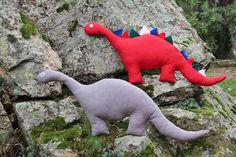 """El blog de """"Coser fácil y más by Menudo numerito"""": Cómo hacer un dinosaurio de trapo"""