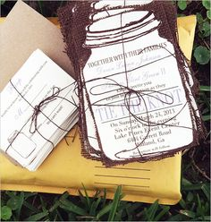 Custo mason jar rustic invitations. #wchappyhour #weddinginvitations #weddingchicks Design: Rustic Papers ---> http://www.weddingchicks.com/2014/05/03/rustic-papers-lovely-print-design/