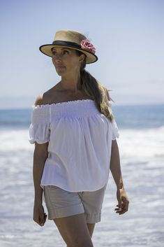 The Cancun straw top hat is a bold new style that emulates the iconic top hat look while still retaining the feel of a straw hat. Lightweight, breathable and comfortable!Brim: Crown: hat was designed by American Hat Makers. Fancy Hats, Cool Hats, Happy Woman Day, Hat Making, Cancun, Ladies Day, Latest Fashion Trends, Sport Outfits, Casual Wear