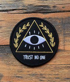 Vertrauen Sie kein ein Patch zum Aufbügeln von crywolf auf Etsy