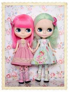 2 cute blythes in lovely cotton candy shades!