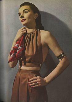 Photobucket Claire Mccardell, Lauren Bacall, Moda Retro, Vintage Fashion Photography, Richard Avedon, 1940s Fashion, Fashion Vintage, Vintage Beauty, Gothic Fashion