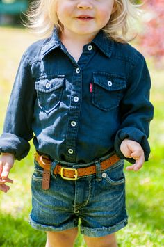 Ready to run. Levi's Kids jean shorts made of soft cotton keep your little ones comfortable on all their end-of-summer adventures. Pair them with a dark denim button down and she's all set to go.