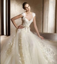 Elie Saab Bridal Collection , love the neckline   Beautiful