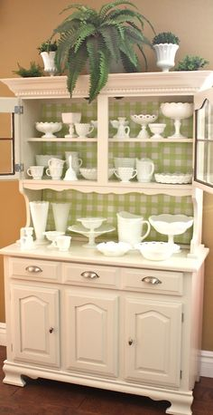 Hi, My name is The Goodwill Gal, and I've got a serious problem. I can't say no to the unbelievable milk glass pieces from Goodwill and bring them home every chance I get. Now, don't call the milk ...