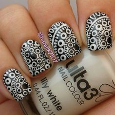 .@Hannah Ennis   This #mani was actually inspired by a photo that @hannahroxit posted 3 months...   Webstagram - the best Instagram viewer