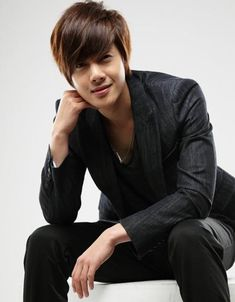 Kim Hyun Joong - Boys over Flowers, Playful Kiss and singer too Kim Bum, Boys Over Flowers, Flower Boys, Asian Actors, Korean Actors, K Pop, Kim Hyung, Kim Joong Hyun, Ji Hoo