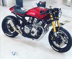 Suzuki Cafe Racer, Yamaha Cafe Racer, Yamaha Bikes, Bobber Bikes, Cafe Bike, Cafe Racer Motorcycle, Moto Bike, Honda Motorcycles, Custom Cafe Racer