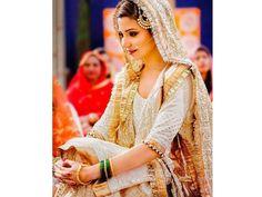 Anushka Sharma looks stunning as a bride in Sultan