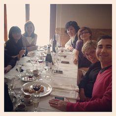Compañeros de batalla #photo #lunch @cuinapinos @alfonso_rest @javi_asdj #cuinapinos @cristinarv_ @ifarballester @belenmanez @jesusmar8 #pinoso #alicante #spain #gastronomia #goodfood #turismoactivo #turismointerior #Pinterest @elenaymrtz