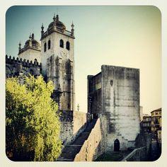 Fernando Tavora - CASA DOS 24 Portugal, Adaptive Reuse, Stairway To Heaven, Postmodernism, Urban Landscape, Stairways, Abandoned, Buildings, The Incredibles