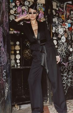From starring in lookbooks to hitting the runway, Bella Hadid has worked as a muse of sorts for French designer Alexandre Vauthier. Her latest appearance includes the fall-winter 2018 collection. Focusing on 80's inspired silhouettes, the lush line-up features puffed sleeves, velvet jackets and peplum hemlines. Rich