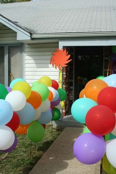 cute for the walkway or entrance to the party! I plan to make the lorax tree with poster board Dr Seuss Birthday Party, Birthday Fun, First Birthday Parties, Birthday Ideas, Balloon Birthday, Birthday Nails, Lorax Trees, Truffula Trees, Theodor Seuss Geisel
